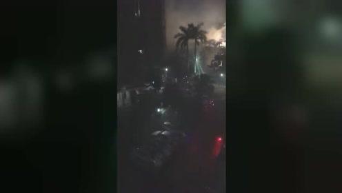 广东五金店突然起火 一家六口全部葬身火海