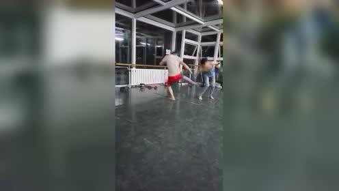 拳腿组合练习,拳击爱好者进