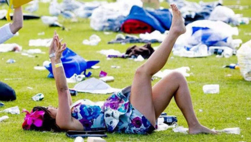 """墨尔本最""""开放""""的节日,女性醉酒后疯狂,喝多了更是丑态尽出"""