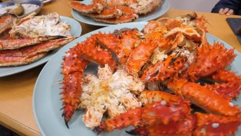 帝王蟹这么贵,为什么外国人只吃大腿,吃货们:太浪费了!