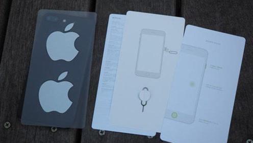 用了这么多年的iPhone,为什么包装盒里会带有两张贴纸呢?