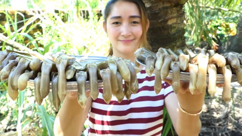 女孩烹饪热辣竹蛏子,看着没食欲,尝一口让人回味无穷!