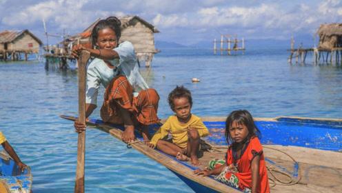 漂泊海上的民族:没有国籍,几乎从不上岸,为潜水捕鱼自废耳膜