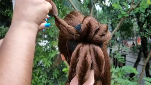 老妈最近爱上了这款盘发,每天都要扎,太好看了