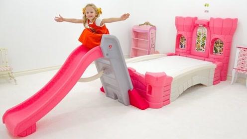 小萝莉和爸爸装饰新房间,还装上了滑滑梯,玩的高兴极了