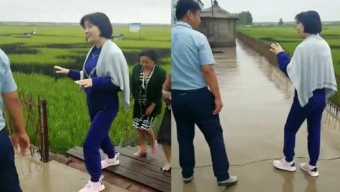 51岁陈红罕见曝近况,网友不敢相信:她咋老成这样了?