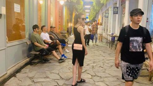 昆凌晒照上演《楚门的世界》 周杰伦为老婆当群演