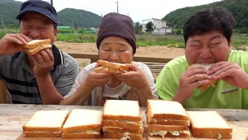 韩国乡下一家三口,野炊自制三明治,儿子吃的太过瘾了