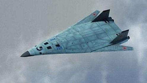 俄最新战机即将首飞,雷达几乎侦测不到它,计划采购100架