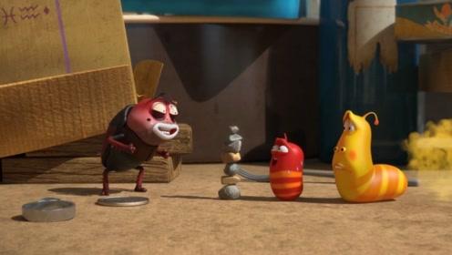 三只虫子用石头堆的很高,看谁先失败