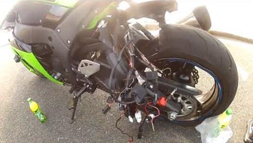 老外高速骑摩托飙车,结果直接把跑烂,不愧是灵魂赛车手!