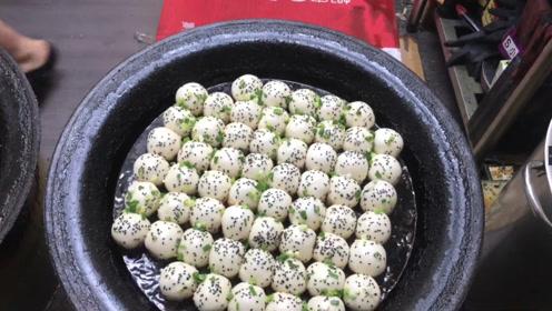 上海最有名的小吃,一口一个停不下来,想吃先排队!