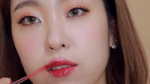为什么女人宁愿要一支唇釉,都不想要两支口红?