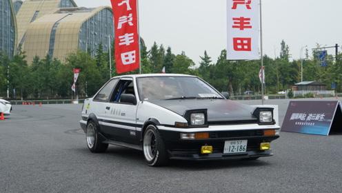 《头文字地》里的AE86有人从日本运了回来 还花了大代价修复