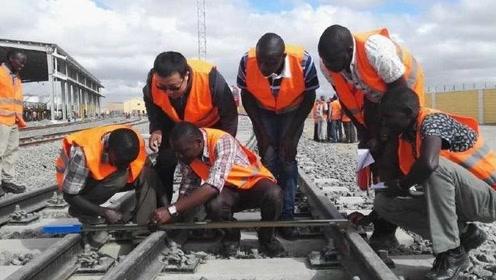 中国不愧是基建狂魔,帮助非洲修建铁路,总投资超200亿美元