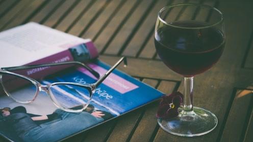 红酒可以帮助睡眠?听听营养师怎么说