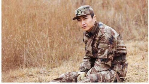 《陆战之王》速看版第18集:张爷爷为部队做动员报告