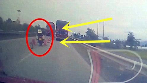 一时想超车却付出了生命的代价,监控拍下男子生命最后的5秒!