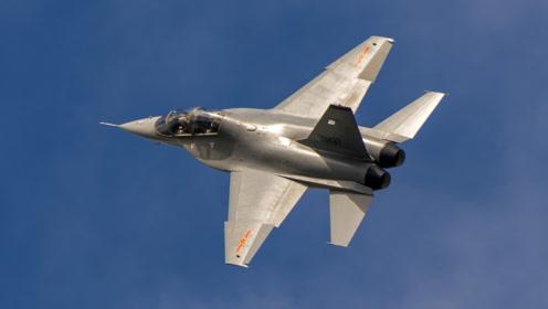 比歼20还抢手,中国飞行员最急需的战机,空军一次订购135架