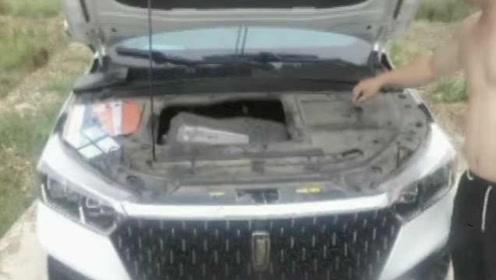 男子买车1年多,开着开着发动机掉了