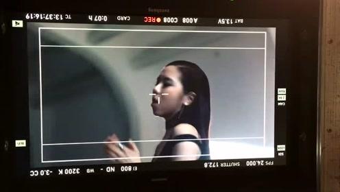 邓紫棋:《光年之外》MV终于在YouTube破两亿点击!
