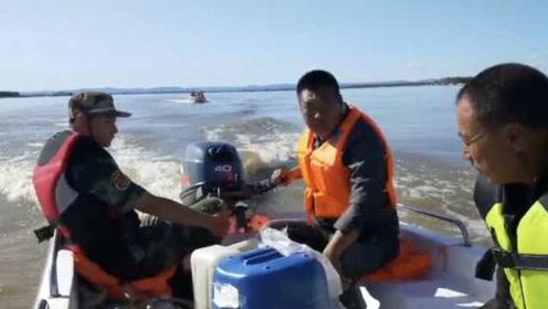 父亲救援翻船失踪28天,儿子花3万买船苦寻:一定要找到