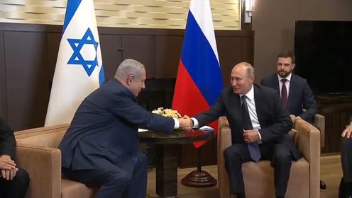 普京会见内塔尼亚胡:以方做出的努力改善了两国在防务领域的合作