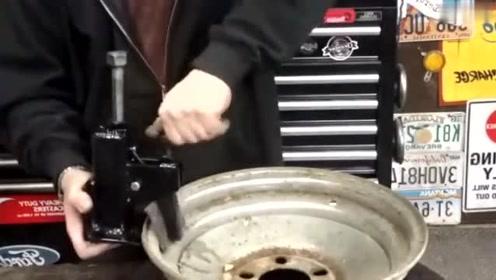 修车小伙发明拆卸汽车轮胎工具,这应该去申请专利的