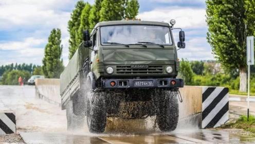 全军最强老司机,中国汽车兵如何开车?这些技能你在驾校学不到