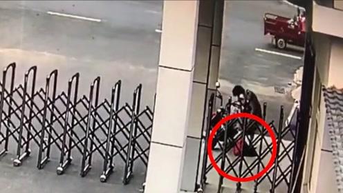 暖心!安徽阜阳一名阿姨偷偷为消防员送上中秋节慰问品