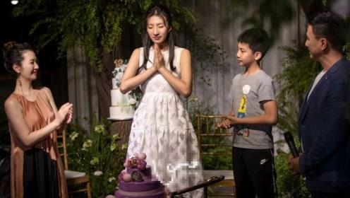 他是大侠乔峰,如今女儿成年让人惊叹,父亲眼里透出骄傲