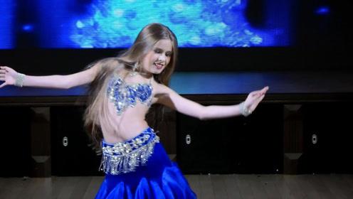 """乌克兰""""蛇腰""""美女,腰肢柔软度令人惊艳,台下观众眼睛都看直了"""