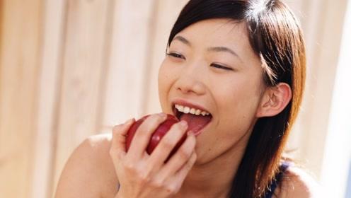 """口臭很尴尬?这种常见水果,原来""""对付""""口臭很有效"""