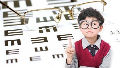 远视还散光?这是什么?医生:这是不同平面的焦点聚焦在视网膜后
