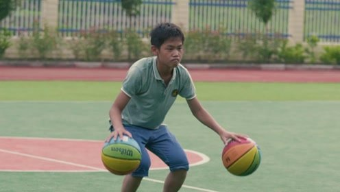 大山里孩子的篮球梦,看哭无数人