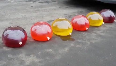 会发生什么?轮胎同时压过六个气球,你觉得呢?