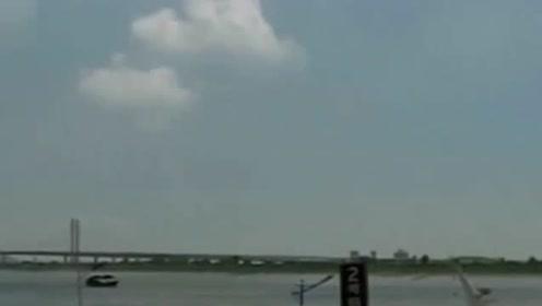 """蓝色预警!台风""""塔巴""""来袭 东海大部有8-9级大风"""