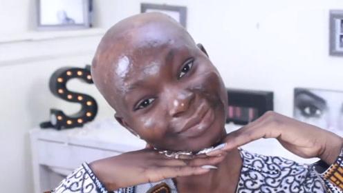 非洲女生直播化妆,要用几瓶粉底才能变白?化妆结束后惊艳全场!
