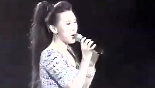 陈秀雯《骤雨中的阳光》现场版,80年丽的同名剧集主题曲