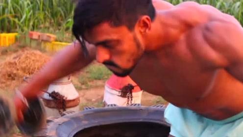 印度小伙在农田里也能练出好身材,厉害了
