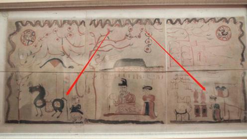 新疆古墓出土一幅古画,专家看后大笑:谁家熊孩子穿越画的?