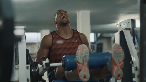 英国重量级拳王约书亚,一败之后知耻而后勇,在健身房打磨肌肉