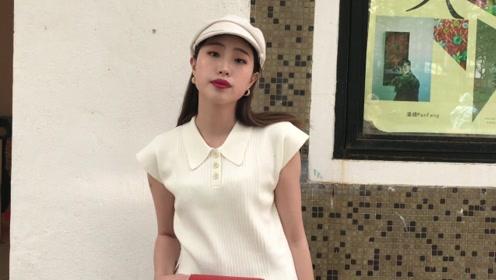牛奶肌小姐姐戴贝雷帽搭配这身衣服,一股法式复古风浪漫来袭,小表情真撩人