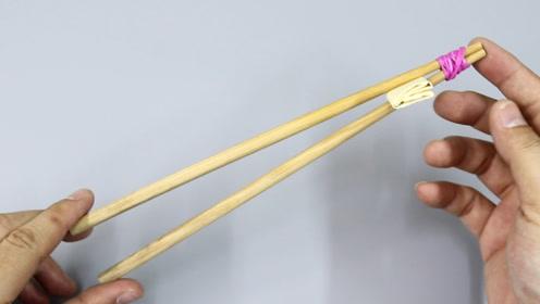 花生瓜子去壳用手剥?一个窍门,一双筷子,分分钟剥一碗