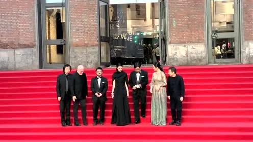 张译领衔《攀登者》剧组亮相第三届平遥国际电影展