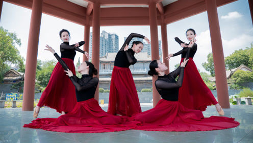 中国传统舞蹈《西风》,吹进家中喜迎春!