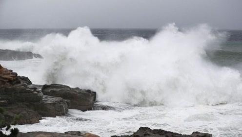 """强台风""""海贝思""""逼近日本 当局警告:威力60年来罕见!"""