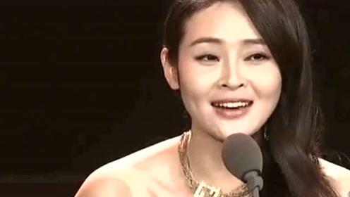 她曾与靳东搭戏,为家庭隐退数年,如今靠马伊琍二度翻红