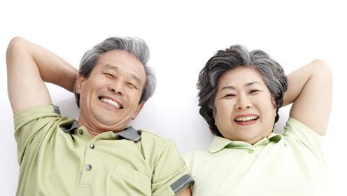 """为何年老会有""""老年臭""""?40岁后做好2件事,老了或许也没味"""
