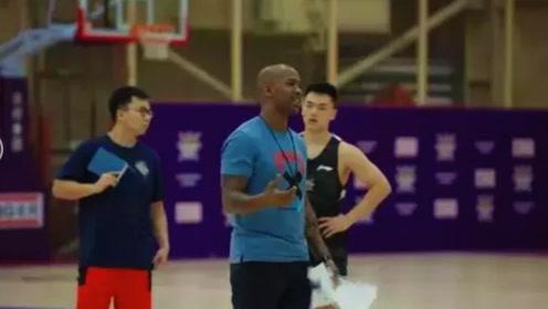 马布里上任3个月,只干了一件事!网友:他知道中国男篮需要什么!